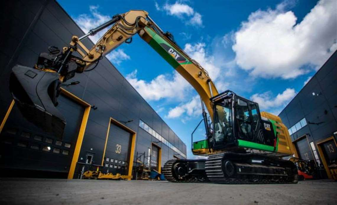 battery electric excavator